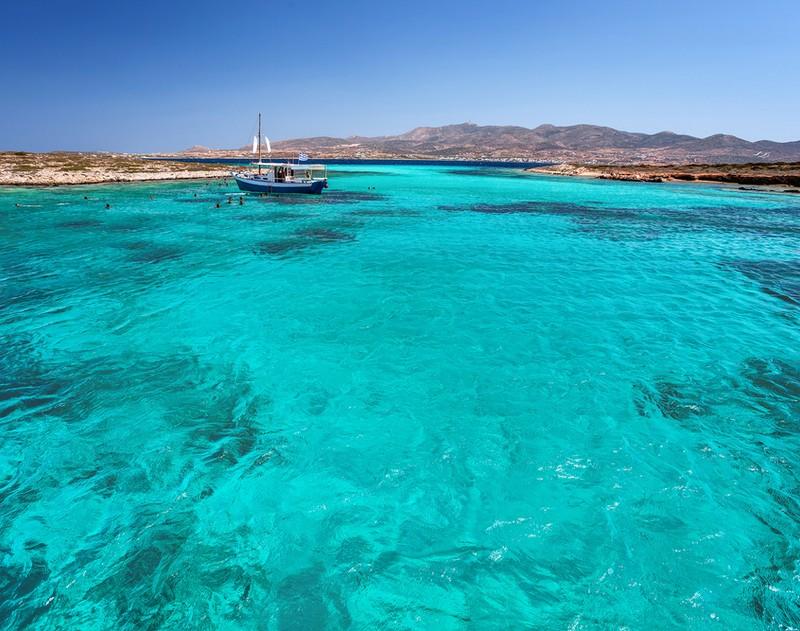antiparos tigani beach