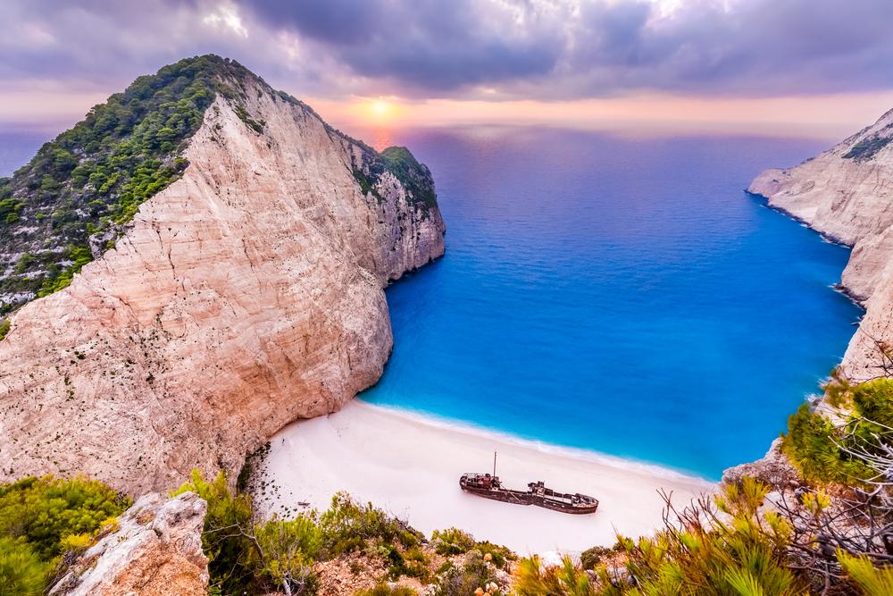 Navagio (Shipwreck, Smugglers cove)Beach Zante